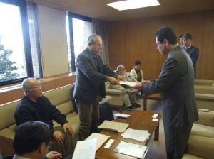 低空飛行、県に申し入れ 2012,12,27