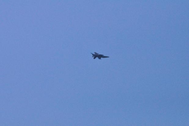 米軍戦闘機の低空飛行は連休で良いのに